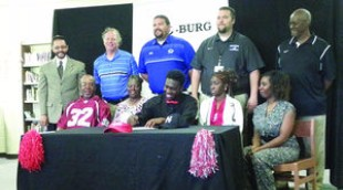Childersburg's Patterson signs to play football for Huntingdon