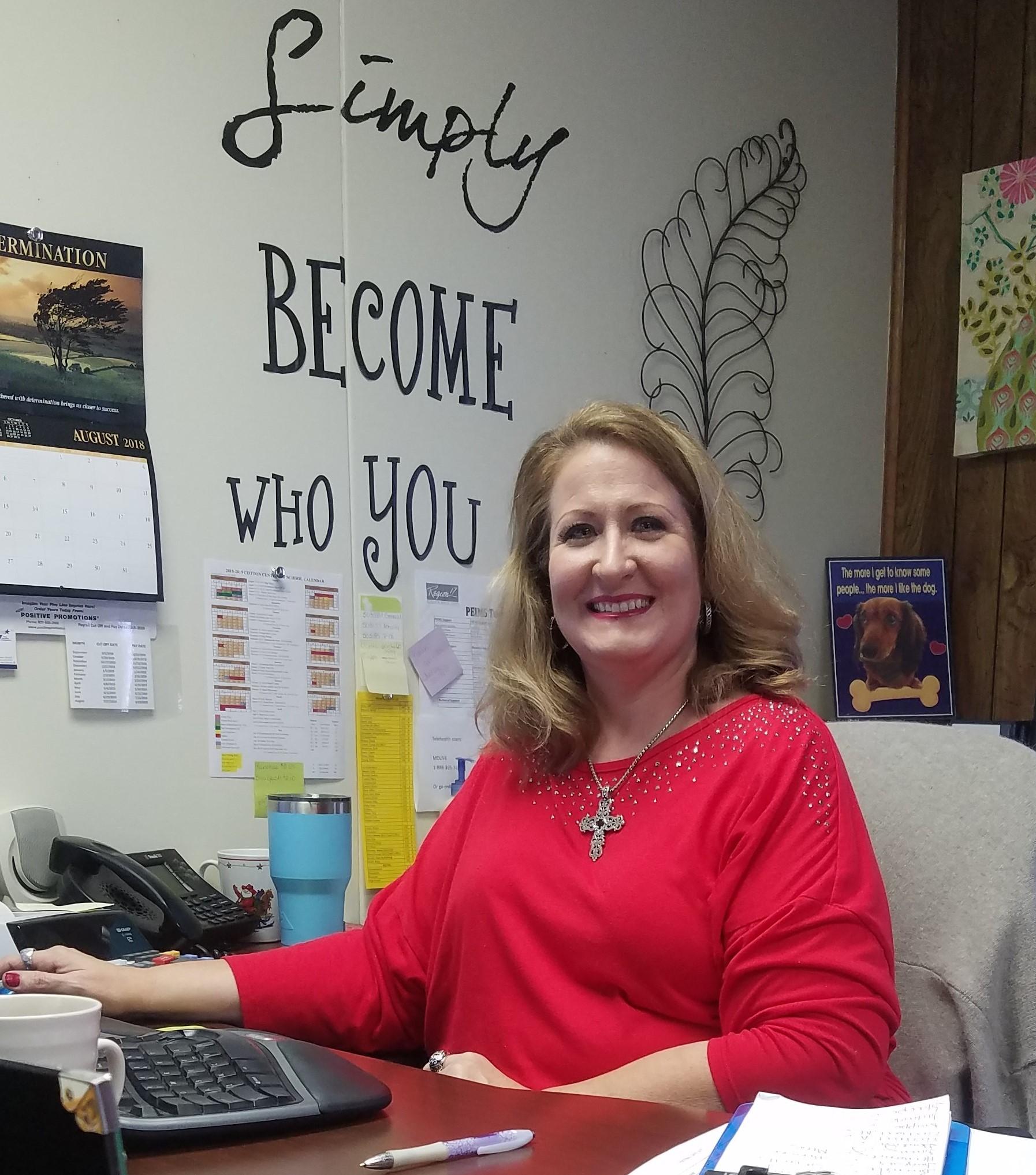 Alisha Murphy / Business Manager