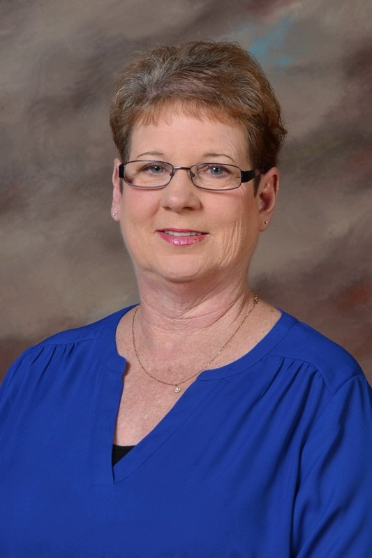 Mindy Courtwright, Bookkeeper