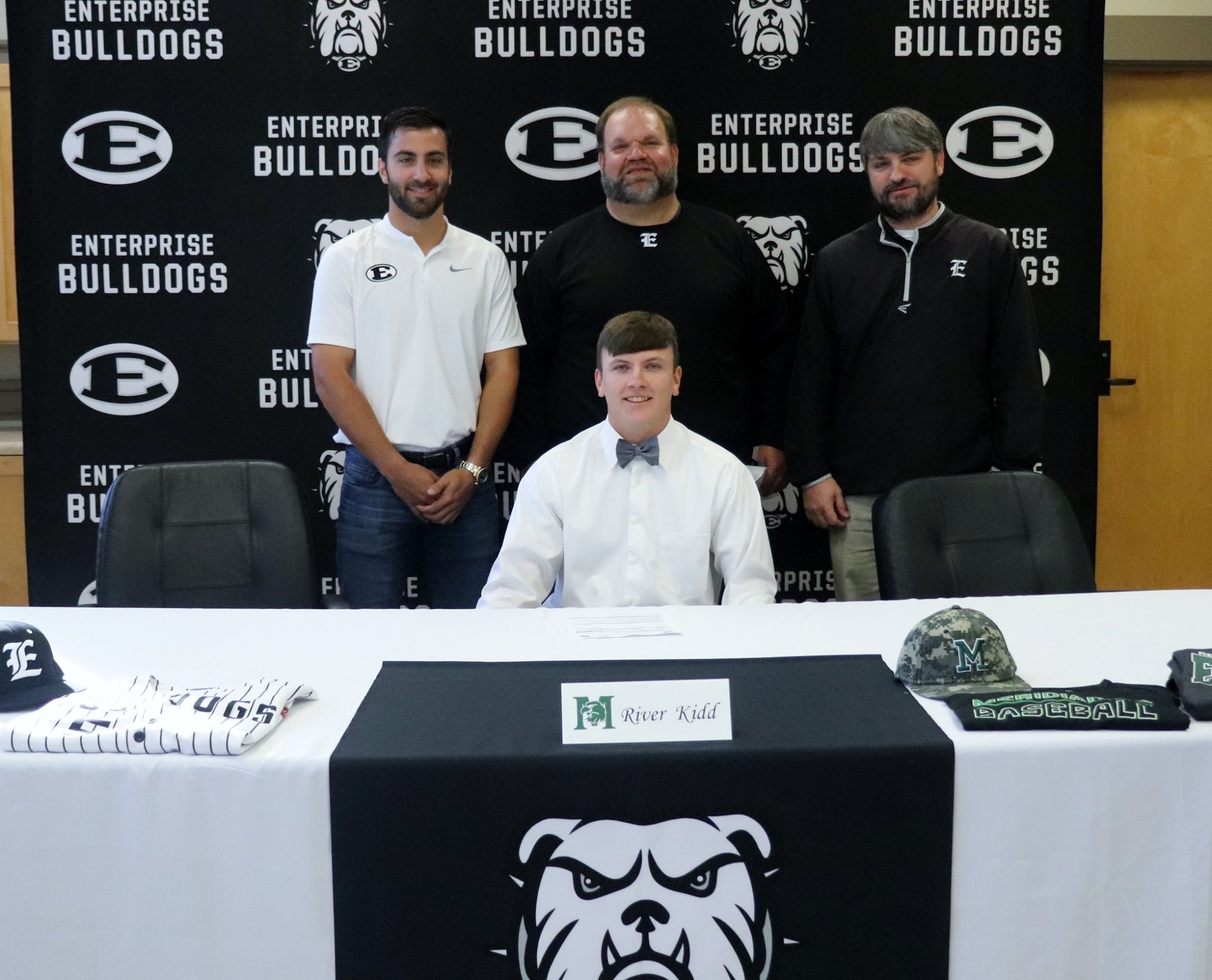 Bulldog Shortstop/Pitcher Signs with Eagles